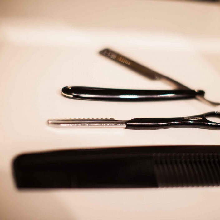 Vincents Den For Mens Haircut Mens Hair Stylist Kingsway Etobicoke Cutting Tools